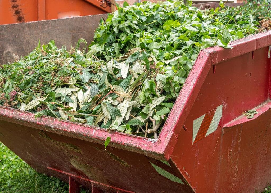 Wywóz odpadów zielonych i ziemi