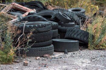 Gdzie wyrzucić stare opony - poradnik dla mieszkańców Krakowa